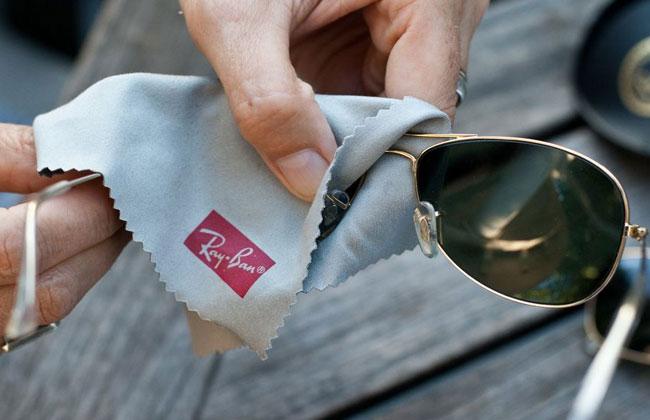 Как почистить очки Ray-Ban