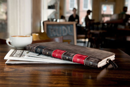 нестандартный чехол для iPad: Twelve South BookBook