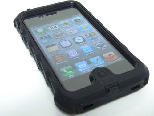 Чехлы для iPhone - резина против пластика - какой лучше